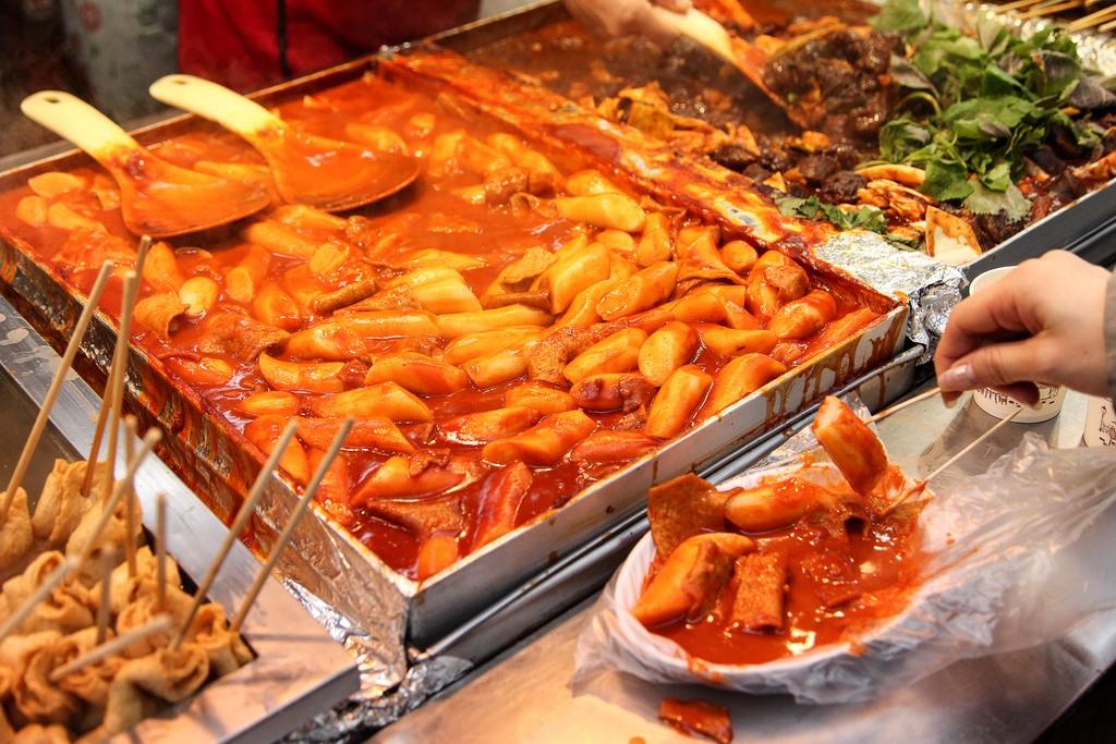 Cách làm các món ăn vặt Hàn Quốc dễ làm đơn giản