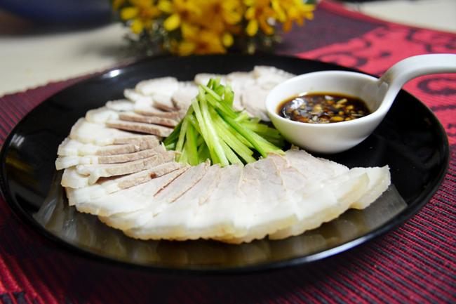 Thịt heo luộc - món ăn dễ chế biến và dễ ăn