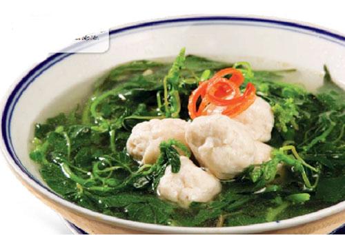 Canh rau dền chả cá bổ mát, thơm ngon
