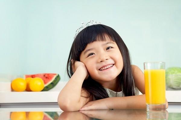 Sử dụng các loại thức uống khác như nước chanh, nước ép trái cây để thay thế nước ngọt
