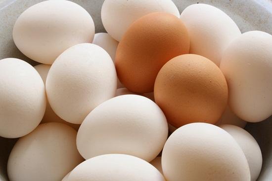 Trứng giúp cung cấp dưỡng chất nuôi dưỡng tóc bóng khỏe