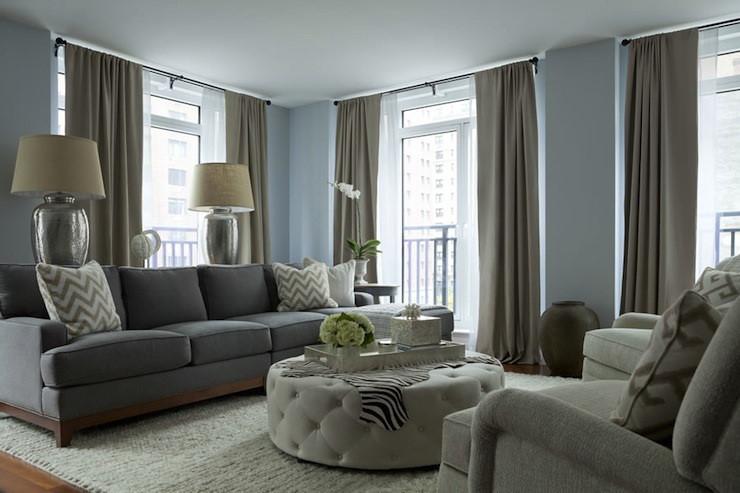 Chọn rèm cửa cho phòng khách bạn cần lưu ý đến tính lịch sự, thoáng đãng nhưng vẫn đảm bảo sự gần gũi