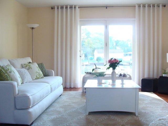 Lựa chọn một chiếc rèm của phù hợp, phòng khách của bạn sẽ trở nên đẹp mắt hơn, thu hút hơn