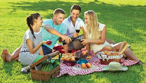 Những chuyến dã ngoại cuối tuần giúp bạn có những giây phút vui vẻ bên bạn bè, người thân
