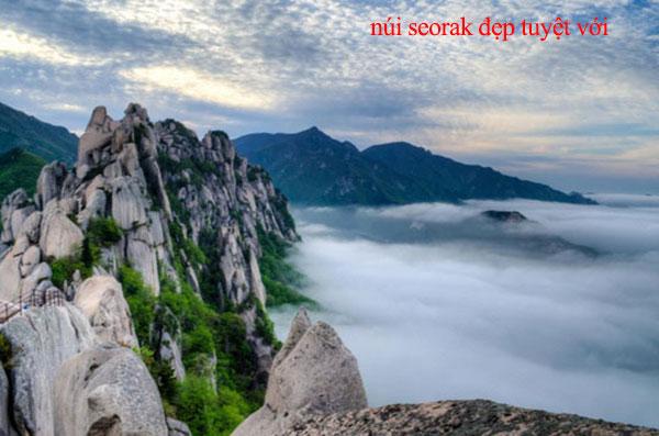 Nui-Seorak-Ve-dep-hung-vi