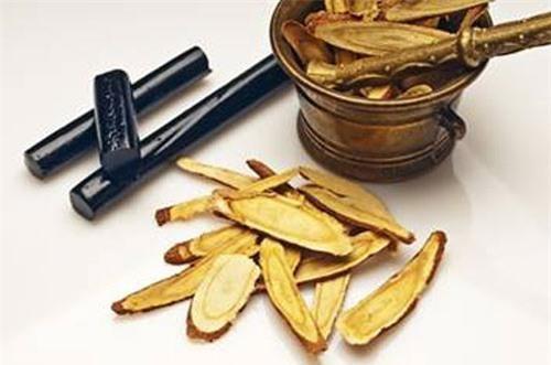 Công dụng chữa đau dạ dày hiệu quả của cam thảo
