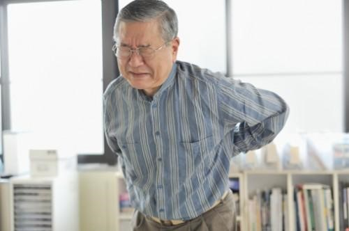 Thoái hóa cột sống thường gặp ở những người cao tuổi và trung niên