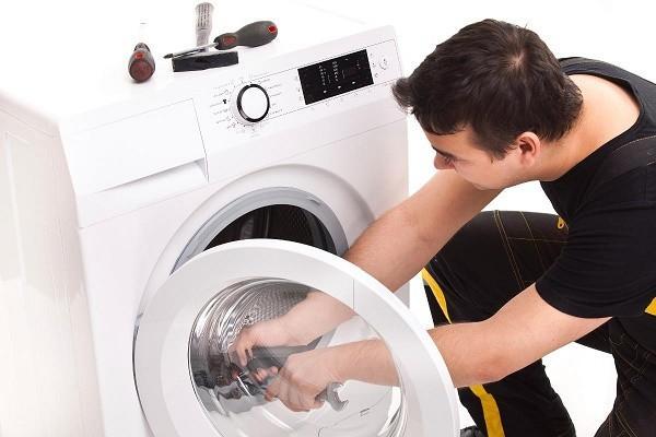 Tự sửa máy giặt ở nhà để tiết kiệm chi phí