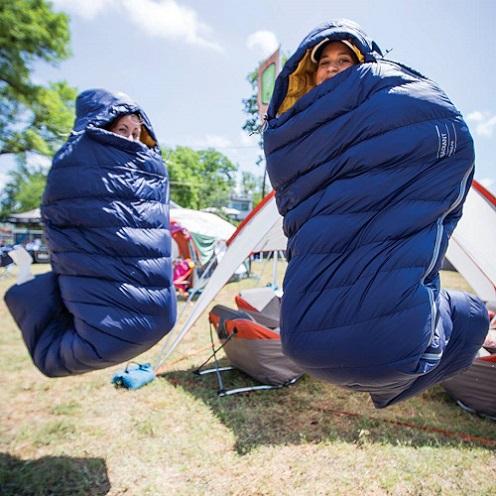 Luôn giữ túi ngủ sạch sẽ và khô ráo trong chuyến đi