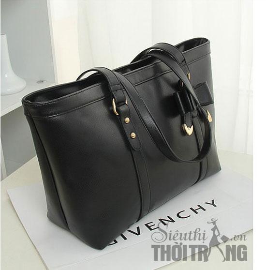 Những chiếc túi đơn giản, màu trơn thường không bao giờ lỗi mốt