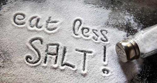 Người bệnh thận không nên ăn quá 2-4g muối/ ngày