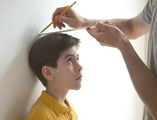 Một trong những tác nhân lớn gây nên tình trạng trẻ kém phát triển cả về thể chất, trí lực và thị lực có thể nói đến đó là hiện tượngtrẻ biếng ănlâu ngày