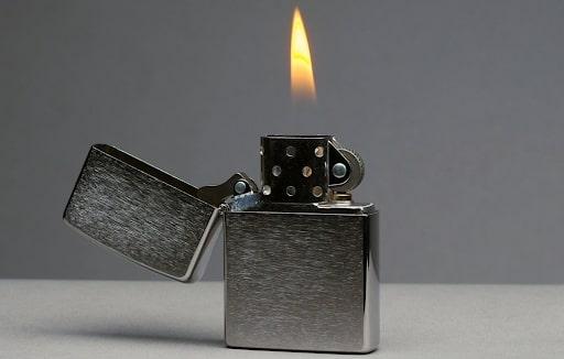 Vỏ bật lửa làm từ kim loại