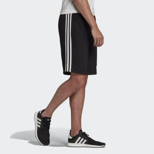 Quần sooc + giày thể thao nam AdidasQuần sooc + giày thể thao nam Adidas
